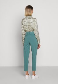 DRYKORN - JOB - Trousers - turquoise - 2