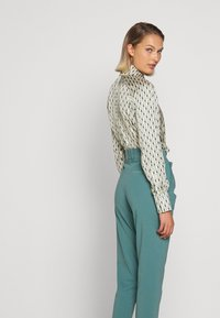 DRYKORN - JOB - Trousers - turquoise - 3