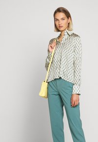 DRYKORN - JOB - Trousers - turquoise - 4
