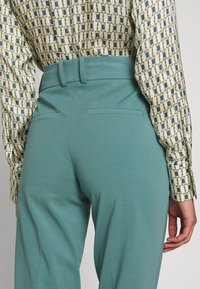 DRYKORN - JOB - Trousers - turquoise - 5