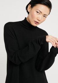 DRYKORN - AURELA - Pletené šaty - schwarz - 5