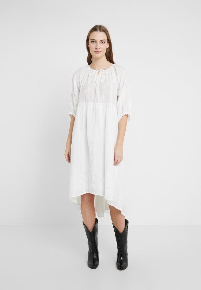 JOYEE - Korte jurk - offwhite