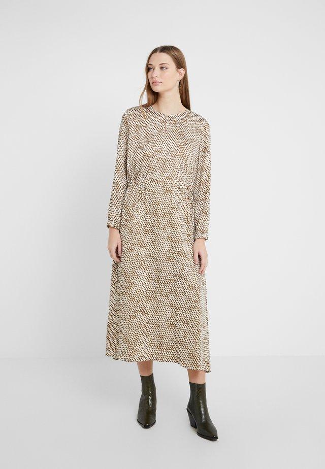 CALSEY - Korte jurk - offwhite /olive