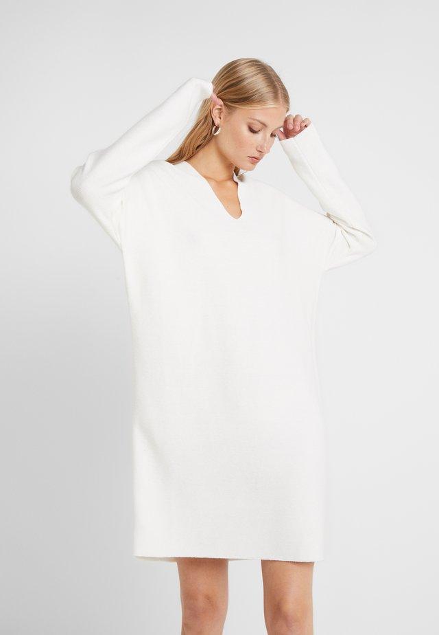 FILIPA - Gebreide jurk - offwhite