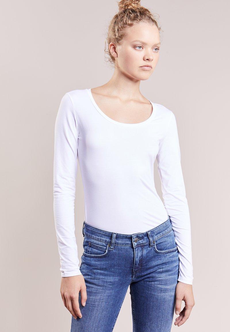 DRYKORN - SELIMA - Långärmad tröja - white