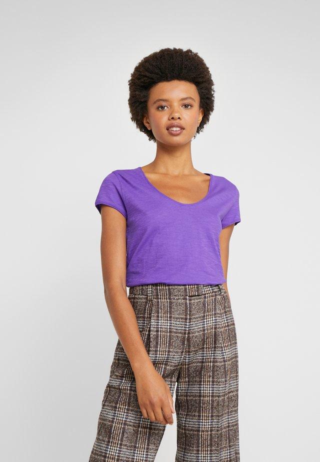AVIVI - T-shirt basic - lila
