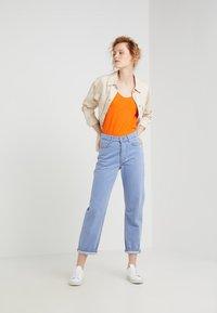 DRYKORN - AVIVI - T-shirt basique - bright orange - 1