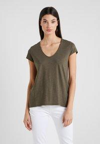 DRYKORN - AVIVI - T-shirt basic - dark khaki - 0