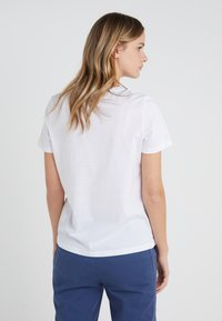 DRYKORN - ANISIA - Basic T-shirt - white - 2