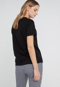 DRYKORN - ANISIA - T-shirts - schwarz - 2