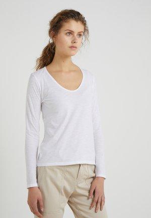 ALESA - T-shirt à manches longues - white