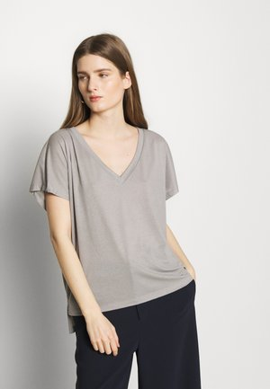 SVANA - T-Shirt print - grey/silver