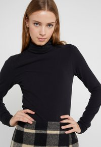 DRYKORN - SAREE - T-shirt à manches longues - black - 3