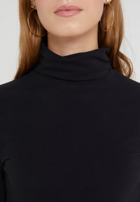 DRYKORN - SAREE - T-shirt à manches longues - black - 5