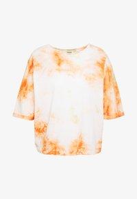 DRYKORN - KELIA - T-shirt imprimé - orange white - 3