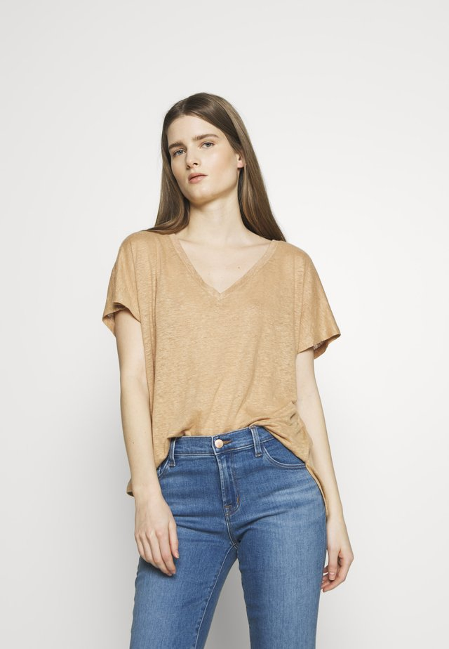 SVANA - T-shirt con stampa - cognac