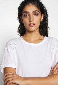DRYKORN - LARIMA - T-shirt basique - white - 4