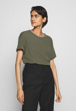 LARIMA - T-shirt basique - olive