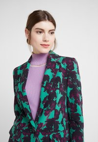 DRYKORN - ATLIN - Blazer - green/violet - 4