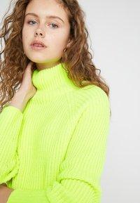 DRYKORN - ARWEN - Jumper - neon yellow - 4