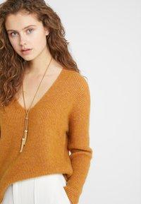 DRYKORN - LINNA - Pullover - mustard - 3