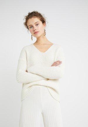 LINNA - Sweter - white