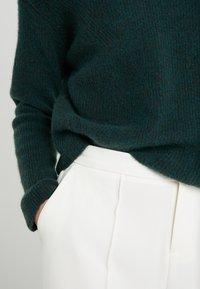 DRYKORN - TIMIRA - Sweter - dark green - 5