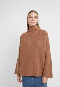DRYKORN - SHALINA - Sweter - camel - 0