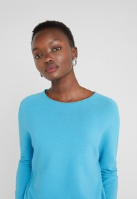 DRYKORN - MAILA - Pullover - blue - 4