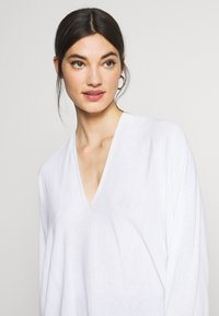 DRYKORN - SIMONY - Pullover - white - 4