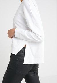 DRYKORN - LAIMA - Sweatshirt - white - 5