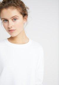 DRYKORN - LAIMA - Sweatshirt - white - 3