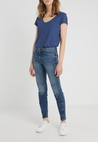 DRYKORN - STRICT - Jeansy Slim Fit - blue - 0