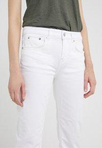 DRYKORN - PASS - Straight leg -farkut - white - 3