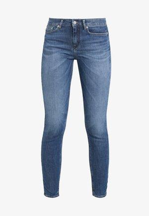 NEED - Skinny džíny - mid blue wash