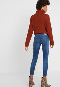 DRYKORN - NEED - Jeans Skinny - mid blue wash - 2