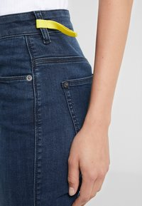 DRYKORN - WET - Jeansy Skinny Fit - mid blue wash - 4