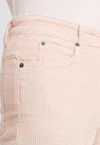 DRYKORN - MOM - Kalhoty - light pink - 5