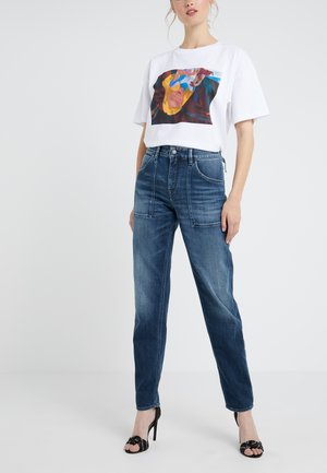 CUSHY - Jeansy Relaxed Fit - mid blue wash