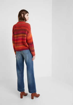 SWEEP - Flared Jeans - mid blue wash