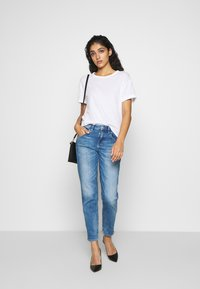 DRYKORN - LIKE - Relaxed fit jeans - blue denim - 1