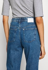 DRYKORN - SWEEPERS - Relaxed fit jeans - blue denim - 5