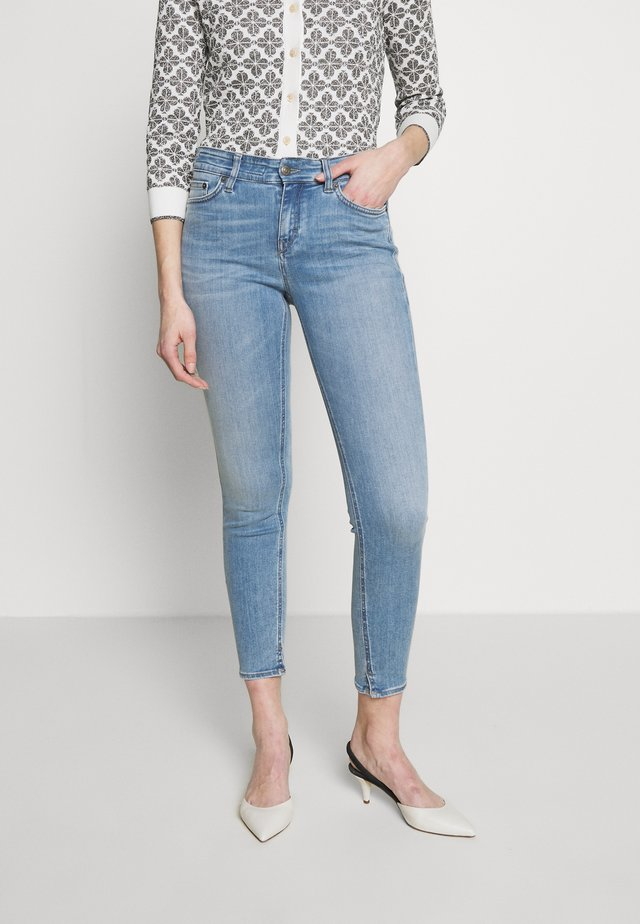 NEED - Skinny džíny - light blue denim