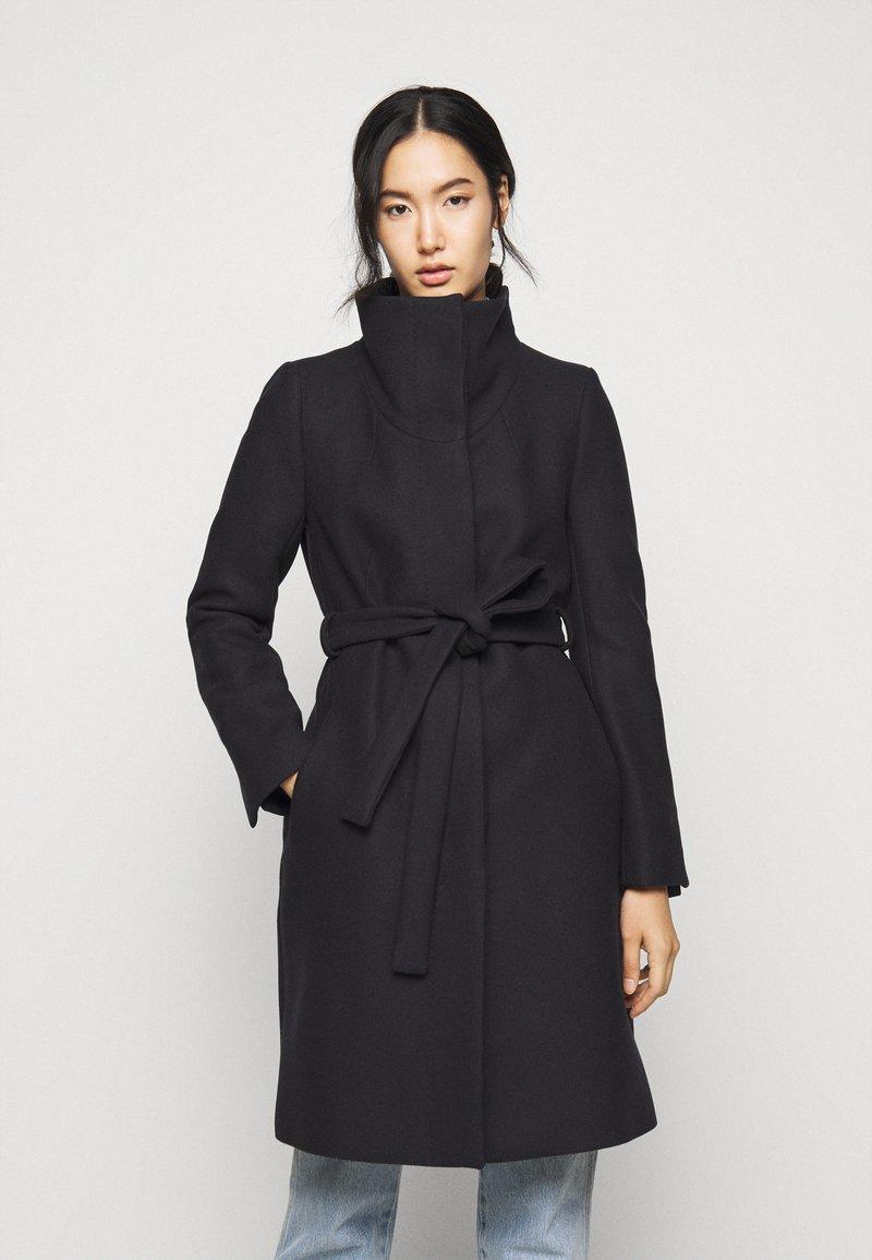 DRYKORN - CAVERS - Płaszcz wełniany /Płaszcz klasyczny - blue