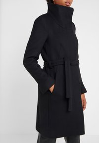 DRYKORN - CAVERS - Cappotto classico - black - 6