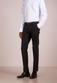 DRYKORN - SIGHT - Pantalon de costume - black - 0