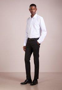 DRYKORN - SIGHT - Pantalon de costume - black - 1
