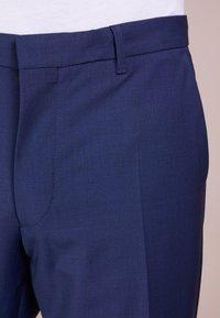 DRYKORN - FOOT - Oblekové kalhoty - blau - 5