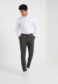 DRYKORN - SIGHT - Pantalon de costume - anthracite - 1