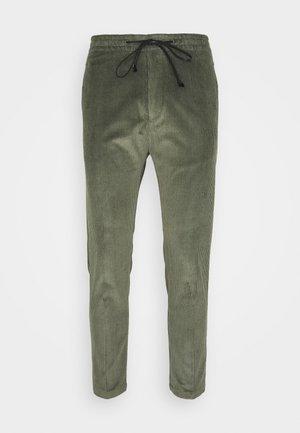 JEGER - Trousers - grün